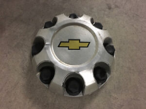 1 CENTER CAP ORIGINAL CHEVROLET 8 BOLT