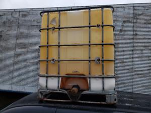 1000 liter solvent tank