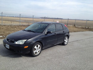 2005 Ford Focus Black Hatchback