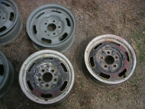 Pontiac GTO Rally 1 wheels with trim ring & cap $150 ea Peterborough Peterborough Area image 4