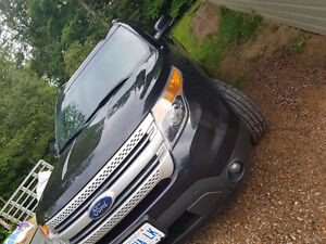 2011 Ford Explorer XLT SUV, Crossover