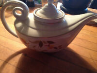 Hall's Aladdin Autumn Leaf Teapot