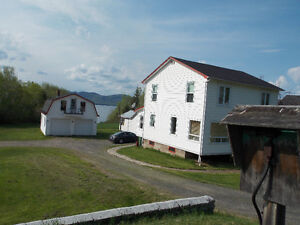 Waterfront, Bay of Chaleur, 4 bed 2 bath, heated doube garage