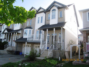 3 BDR , end unit, townhouse in excellent location, Waterloo