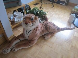 LIFE SIZE TIGER