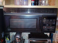 Kenmore Microwave Oven with Exhaust Fan