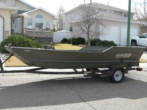 2000 1655 lowe roughneck jet tunnel hull boat
