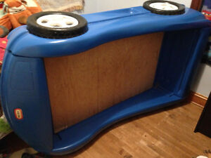 Little tikes Race car toddler bed