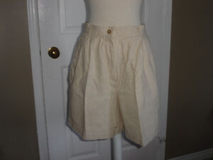 Rafaella 90s Vintage wome Shorts Size 10, like new
