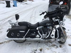 2012 Harley Davidson Road King FLHR $16,000 FIRM