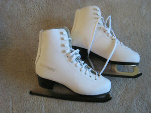 FIGURE SKATES: WINNWELL SIZE 5