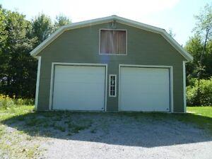 Maison de campagne avec garage 2 étages a vendre Montérégie