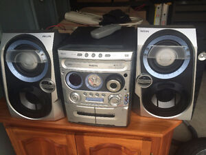 Philips Stereo with subs in speakers
