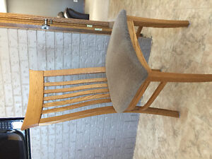 Set of 6 solid oak dining chairs