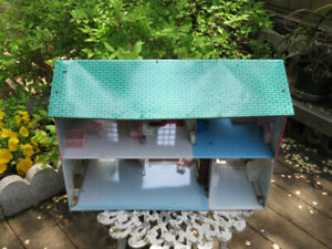 Vintage American Tin Colonial Doll House With Vintage Furniture