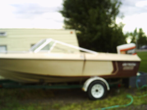 Used 1984 Other 16 Foot Vanguard Calais and 140 HP Chrysler Motor