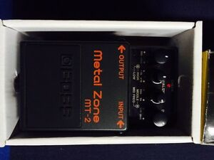 BOSS MT-2 Metal Zone guitar pedal with A/C adaptor (Like new)
