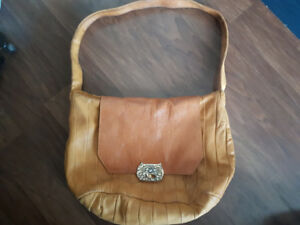 Vintage tsumori chisato leather handbag