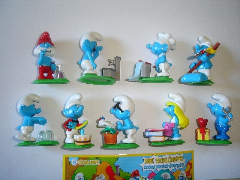 THE SMURFS PEYO 2008 KINDER SURPRISE FIGURES SET - FIGURINES COLLECTIBLES