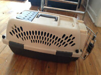 cage pour le petit chien ou chat/ cage for small dog or cat