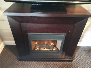 MAHOGANY ELECTRIC FIREPLACE / REMOTE