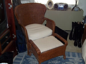 Wicker chair & Ottoman London Ontario image 1