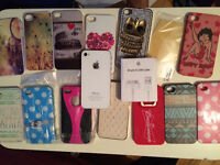 ROGERS IPHONE 4S - 13 cases and NEW CHARGER // bonne condition