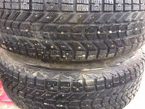 225-75-16 TIRES ON RIM 2PCS. WINTER 90%