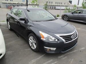 2013 Nissan Altima 2.5 SL PUSH TO START! NAVIGATION! SUNROOF!...