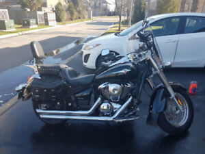 2011 Kawasaki Vulcan 900 Classic LT (Great Condition!)