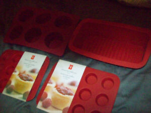 4 silicon cooking molds (2 new!)