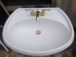 Bathroom sink     stand alone