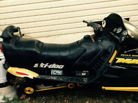 Everything you need for winter fun.. 2000 Ski-D00 Mach Z 800