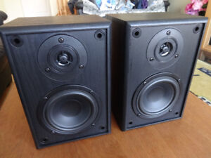 Acoustech Labs SA6.4B/75 Watts/2 way bookshelf speakers for sale