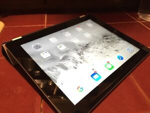"""iPad 3 9.7"""" 16gb black wifi includes Smart Cover - excellent! London Ontario image 1"""