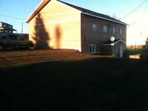 2 BDRM APT WITH H & L INC. IN KINGS POINT NEAR SPRINGDALE