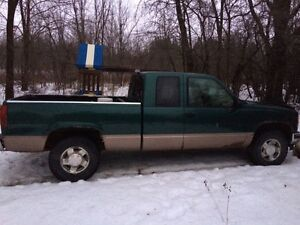 1996 GMC C/K 1500 Pickup Truck 4x4 on floor