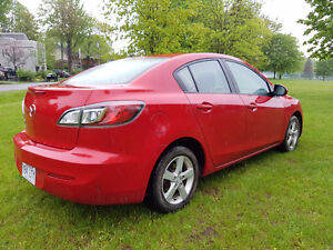 2013 Mazda 3 (avec/with mags!!!)