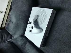 Xbox one bundle brand new!!