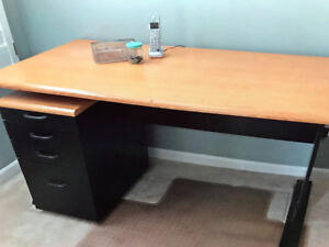 DESK with separate rolling filing  cabinet.