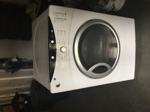 Washer. Works great. 100$ with delivery included for FREE.