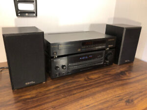Kenwood and Sounds Dynamics  2.0 Home Stereo.