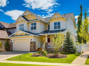 ***Amazing home~~4B + 4B***in Elgin Estates