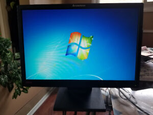"19"" Widescreen Lenovo Monitor"