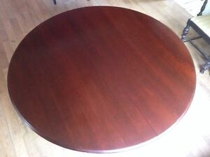 Beautiful solid wood Dinning room table.