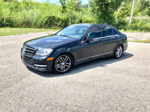 2013 Mercedes c300 4 Matic Sport pack Financing and trades !