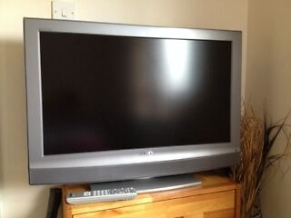 "Sony bravia 32""hd ready lcd tv built in free view"