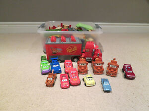 Mega Bloks Disney Cars - Radiator Springs Set plus Mack