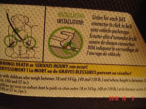 """CLEK OZZI"" BELT-POSITIONING VEHICLE BOOSTER SEAT, MODEL #OZ11CO Windsor Region Ontario image 9"