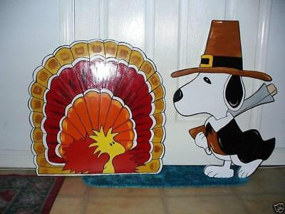 (HAND MADE SNOOPY AND TURKEY BIRD THANKSGIVING FALL YARD ART DECORATION  )